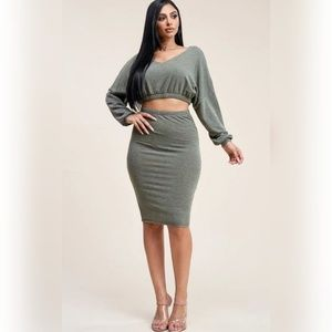 Solid crop top and skirt set